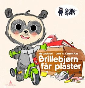 Brillebjørn får plaster