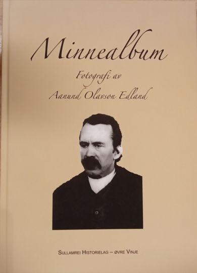 Minnealbum Fotografi av Aanund Olavson Edland